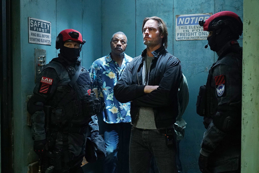 "COLONY -- ""Blindspot"" Episode 104 -- Pictured: (l-r) Carl Weathers as Beau, Josh Holloway as Will Bowman -- (Photo by: Danny Feld/USA Network)"